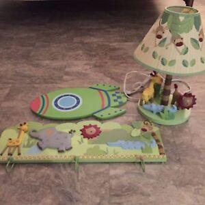 Lampe et crochet / fusée pour décoration chambre