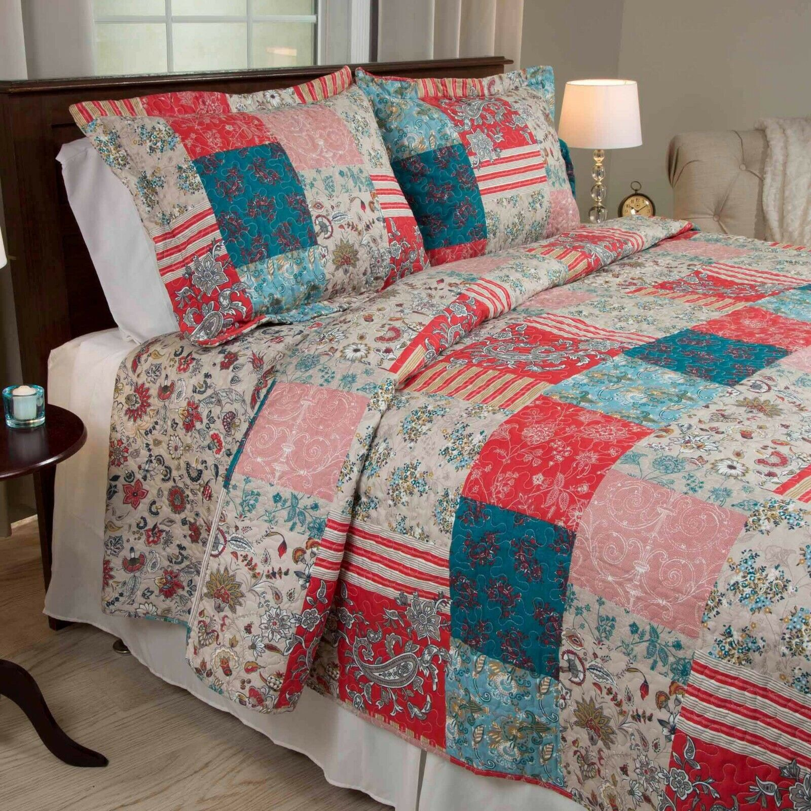 Patchwork Full Queen Quilt Set Americana Red Beige Blue Clas