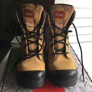Women's Steel-Toe Work-boots, size 7
