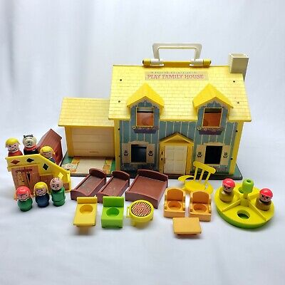 Vintage 1969 #952 Fisher Price Play Family House Little People w/Accessories