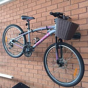 Male and female push bikes Moorebank Liverpool Area Preview