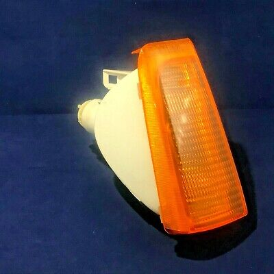 Indicator Lamp Front R/H Vauxhall Cavalier 1982 -1988  90006949   GENUINE