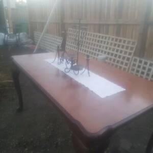 Queen ann dining table