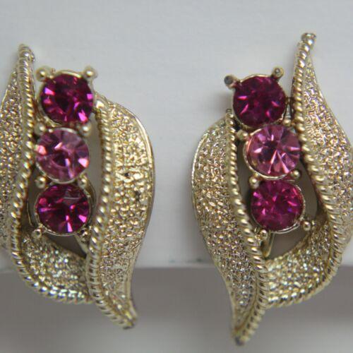 Coro Signed Vintage Gold Tone Pink Rhinestone Screw Back Earrings  (Q)