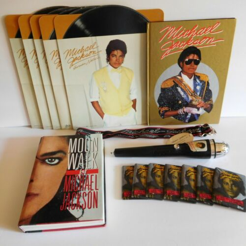 Michael Jackson mixed lot of collectables: gum, belt, Moonwalk, folders, & more