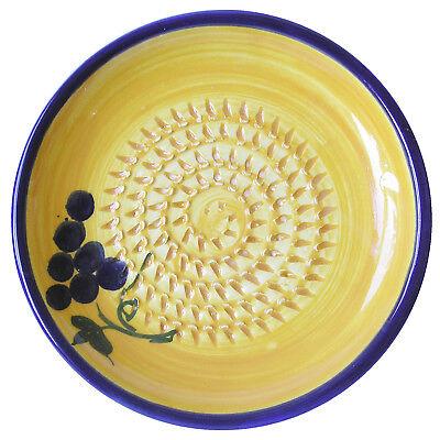 Reibeteller, Keramik, Handarbeit, Motiv: Weintrauben, gelb/blau/grün, Knoblauch