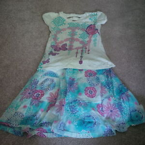 2 piece outfit - about size 7-8 girls