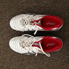 Women's (or kid's) Asics Size 6 rugby (or football) boots South Brighton Holdfast Bay Preview