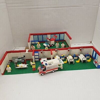 Rare Lego DACTA 9364 Hospital Women Men Nurse Doctors Emergency Room Ambulance++