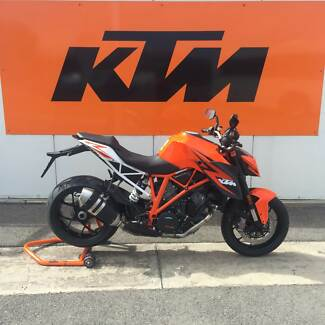 KTM 1290 SUPER DUKE 'R' DEMO CLEARANCE