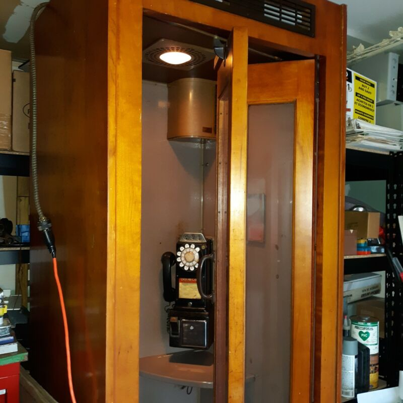 Antique Bell system 1950,s phone booth, WE 3 slot payphone  working light & fan.