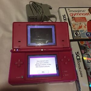 Pink Nintendo DSI  with charger, case four games for only 50$ London Ontario image 5