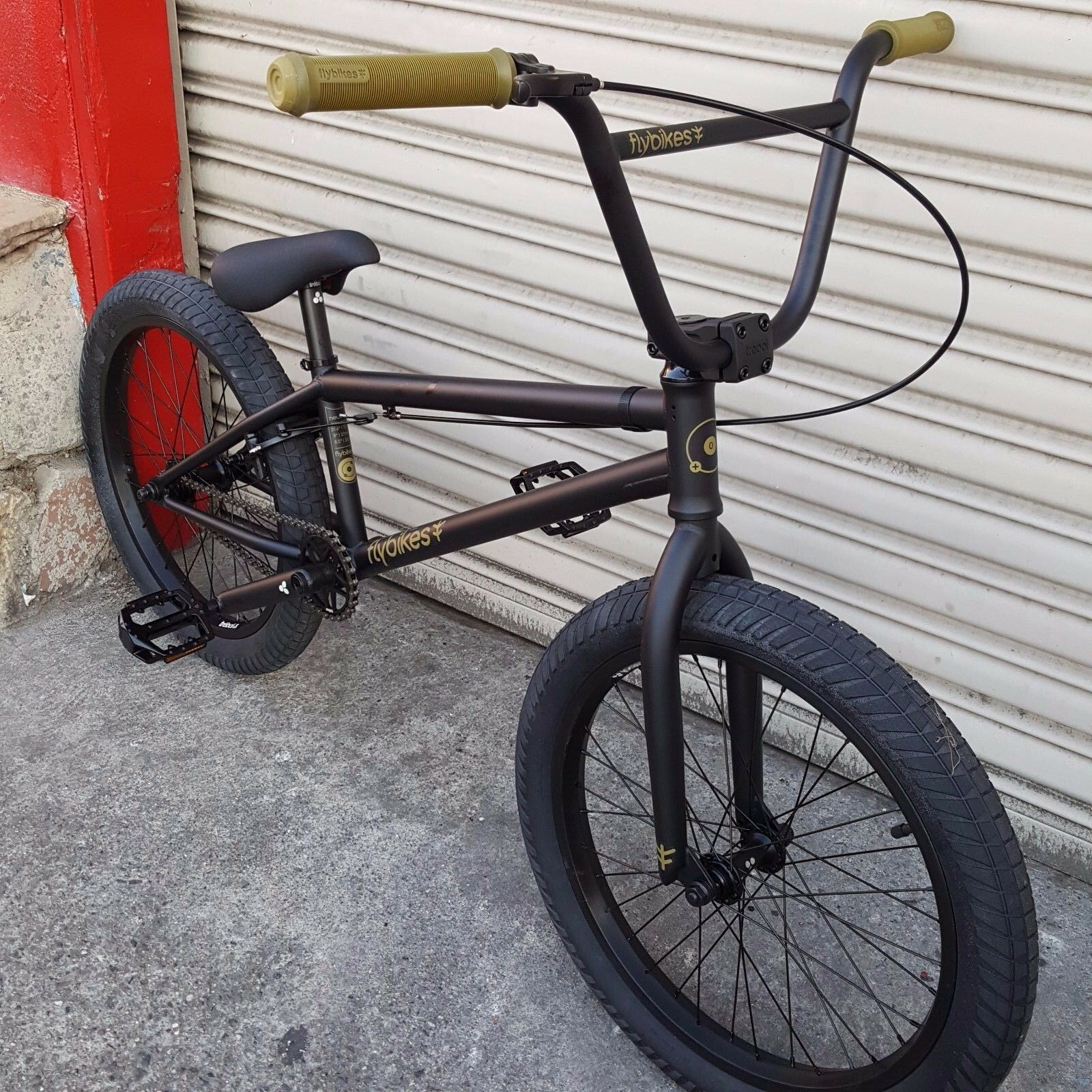 "2015 FLYBIKES BMX BIKE NEUTRON 20"" BLACK BICYCLE FIT CULT"