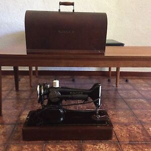 Scarce Sewing Machine Westbourne Park Mitcham Area Preview