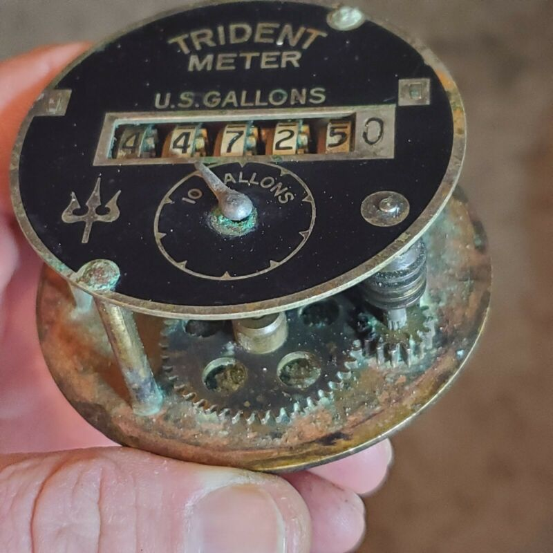 WHOA CHECK IT! Vintage Trident Meter Black US Gallons Brass