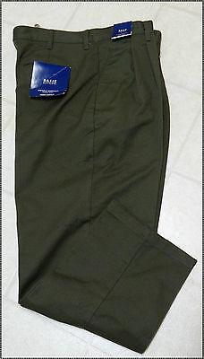 "Men's Pleated Khaki Green Pants: 40 x 32""--42 x 32"""