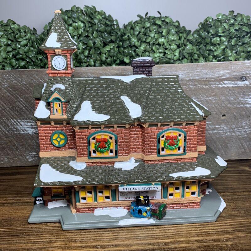 VILLAGE STATION 54380 Retired Dept 56 Snow Village ISSUED 1992 - RETIRED 1997 JD