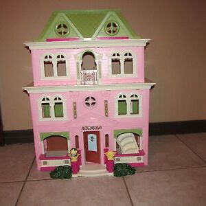 Used Fisher Price Dollhouse Furniture