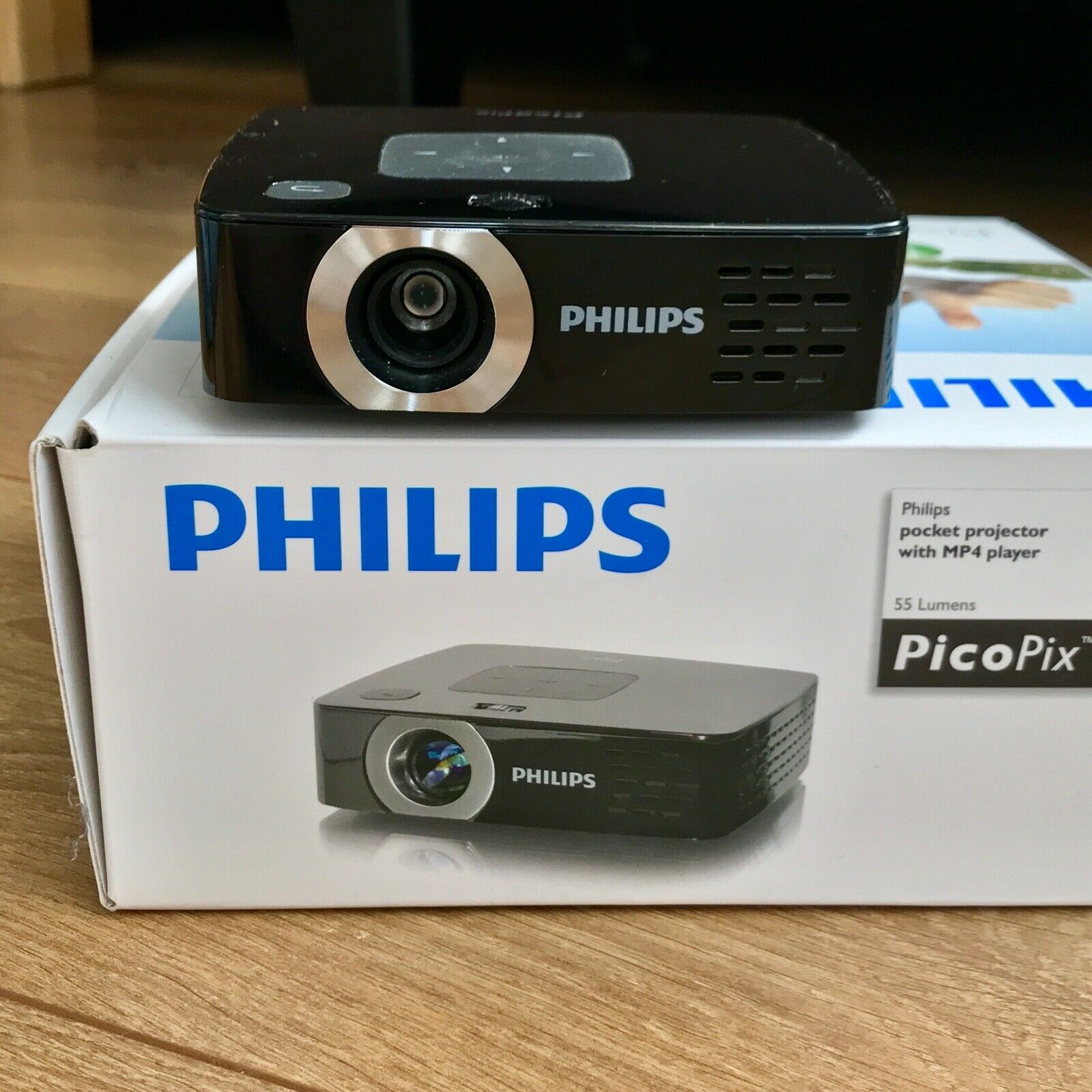 Philips PicoPix 2450 - portabler DLP Taschenprojektor
