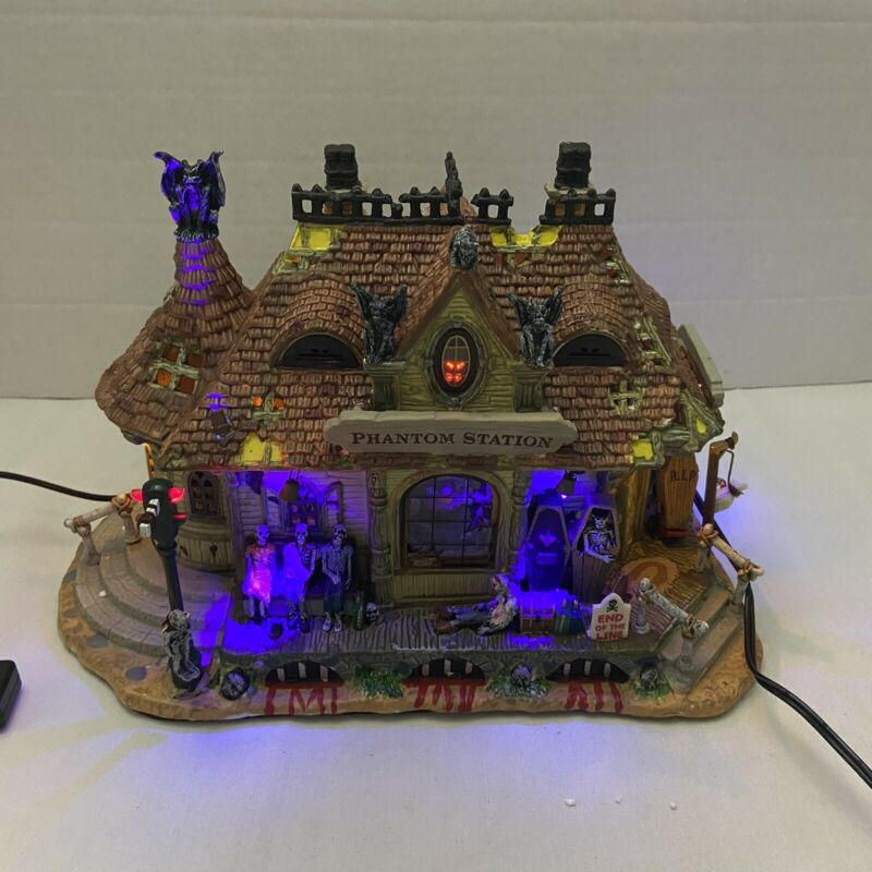 Lemax Spooky Town Phantom Station Lighted and Sounds Retired 2008 Train Station