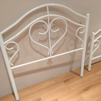 Metal framed single bed Broadwater Busselton Area Preview
