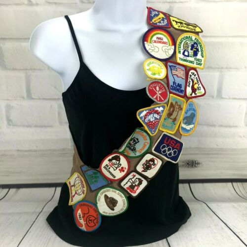 Vintage 80s Girl Scout Brownie Sash Patches Troop 557 Tres Condados California