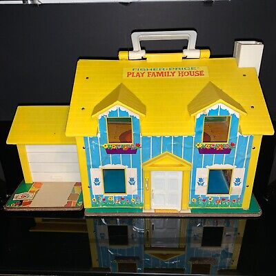 Vintage 1969 #952 FISHER PRICE FAMILY PLAY HOUSE MASONITE BASE w 23 PIECES EXTRA