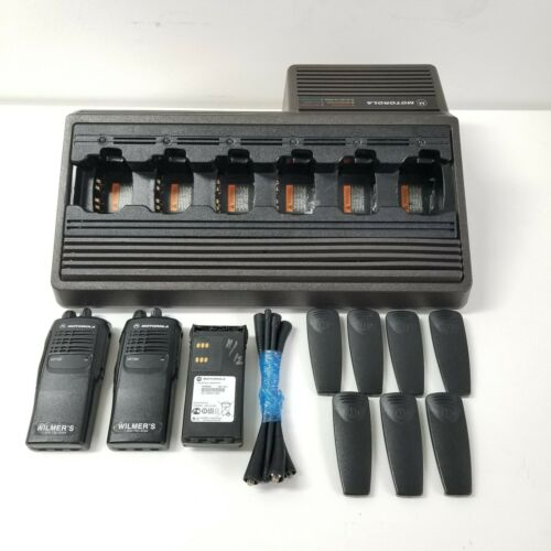 Motorola HTN9005C 6-Unit Battery Charger Bundle w/HT750 Radios & Accessories
