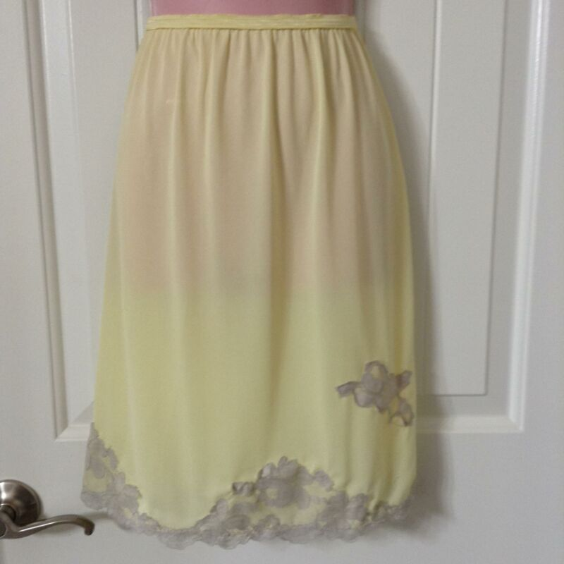 Vintage Half Slip Womens Large Yellow ylon Crepe Taupe Floral Lace Pillow Tab