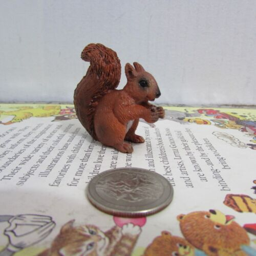 Schleich Squirrel Eating Retired 14684