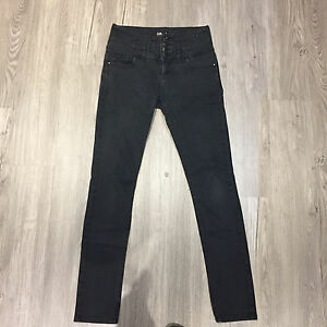 (11) high-waisted skinny jeans Oakleigh East Monash Area Preview