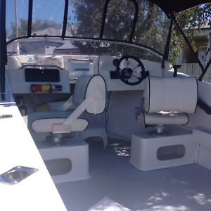 Runabout glass boat