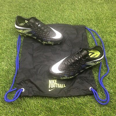 9a8ff21a8ea6bb New Nike Hypervenom Phinish 2 FG Size 6.5 Soccer Cleats Black Volt  749901-018