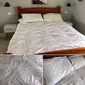Premium Adairs Doona Cover & Pillowcases - Beachy White Pattern Hamilton South Newcastle Area Preview
