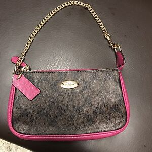 Nwt authentic coach wristlet/purse