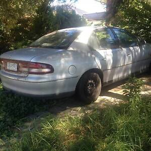 2000 VT HOLDEN COMMODORE WANT GONE CHEAP (TOW REQUIRED) Keilor Downs Brimbank Area Preview