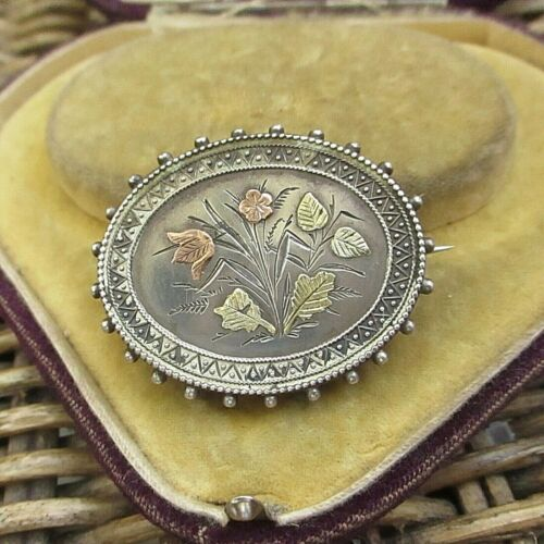 LOVELY VICTORIAN STERLING SILVER AESTHETIC MOVEMENT BROOCH GOLD DECORATION