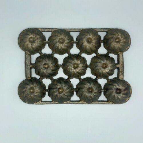 vintage cast iron 11-hole bundtlet mini-muffin pan mold • Taiwan