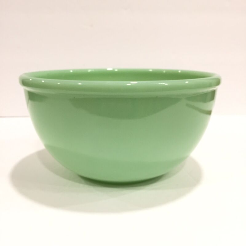 """Vintage Fire King Oven Ware Jadeite 7"""" Mixing Bowl MCM"""