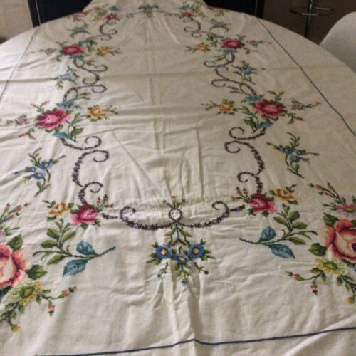 LARGE VINTAGE Hand EMBROIDERED Cream Cotton TABLECLOTH 62 x 98 INCHES.