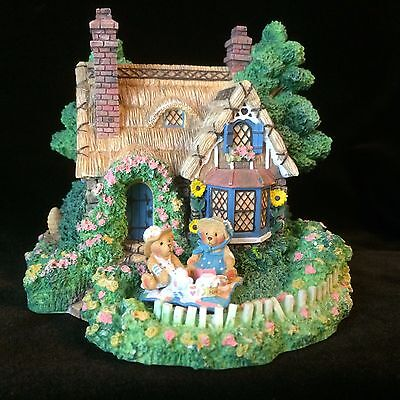 Cherished Teddies A Picnic For Two Village Sculpture