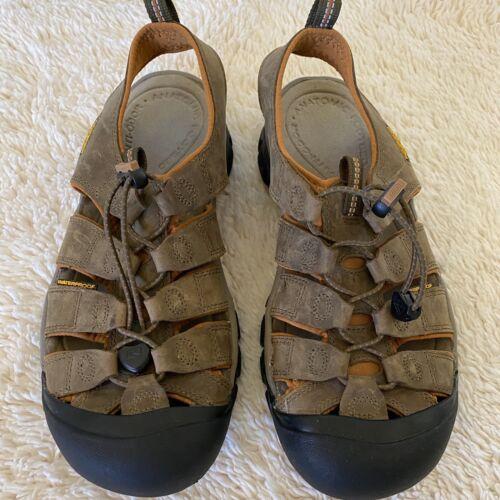 KEEN Men's Newport Sandal 1011513 Sz 9 Nubuck Leather Waterproof Washable