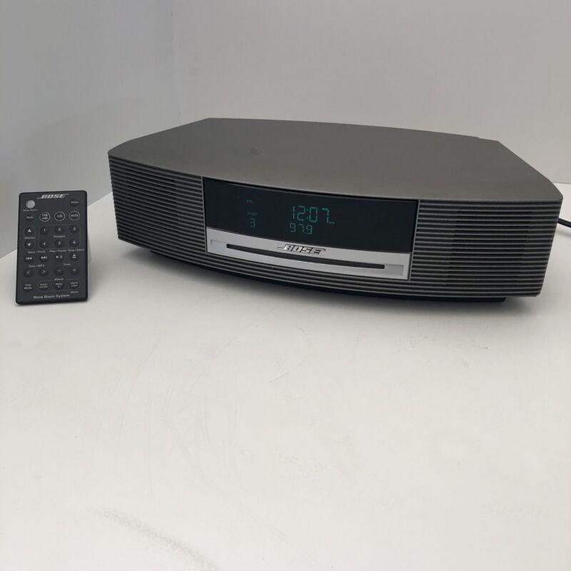 BOSE Wave Music System Speaker CD Player FM AM Radio  W/Remote SILVER