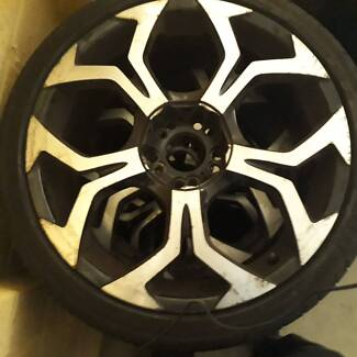 "19"" dual stud / mag rims and tyres. (4of)(3/ 90% tread)(1/50%)"