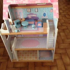 Doll house with pieces Cranbourne Casey Area Preview