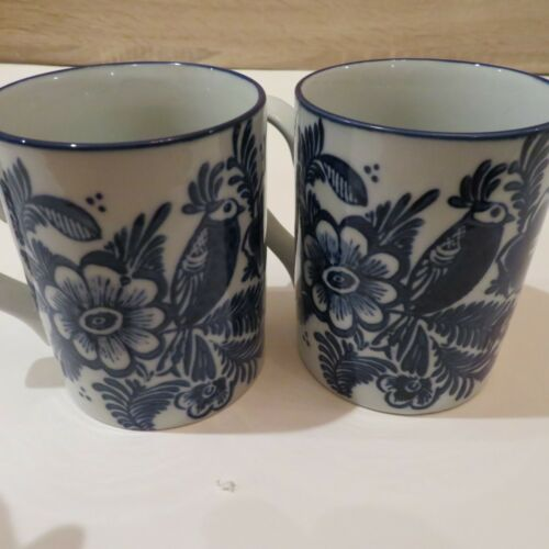 Pottery Barn Blue White Elsie Stoneware Floral Bird Coffee Mugs Cups Set of 2