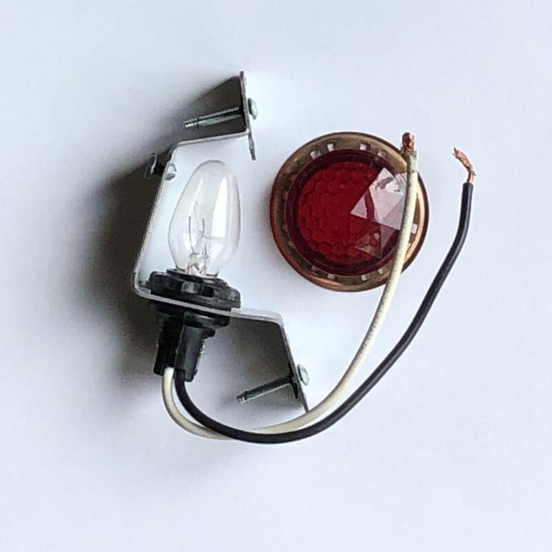 LEVITON 2152 LAMPHOLDER W/ MOUNTING BRACKET, 4W BULB, 75W-125V, BLACK
