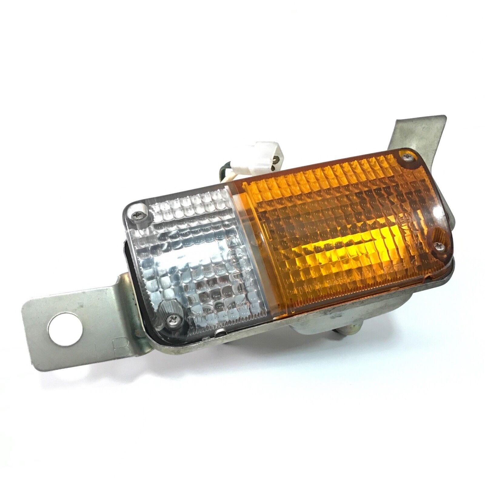 Toyota Hiace RH 11 Amber Clear Socket Wire Lens Pair Turn Signal Lamp RH//LH 1977