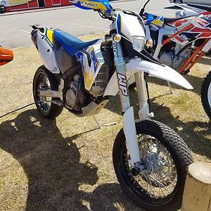2009 Husaberg 450 FE motard with full dirt change over included! Wangara Wanneroo Area Preview