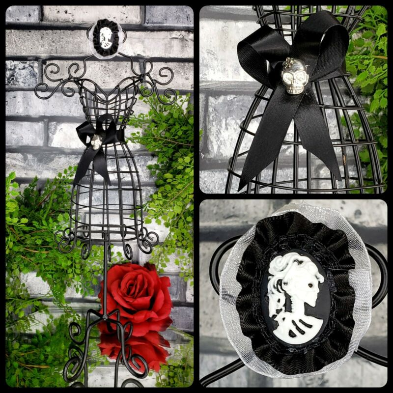 Skull Cameo Wire Dress Form Mannequin Goth Vanity Table Halloween Decor Cmas